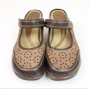White Mountain Brown Mary Jane Leather Wedge Mules